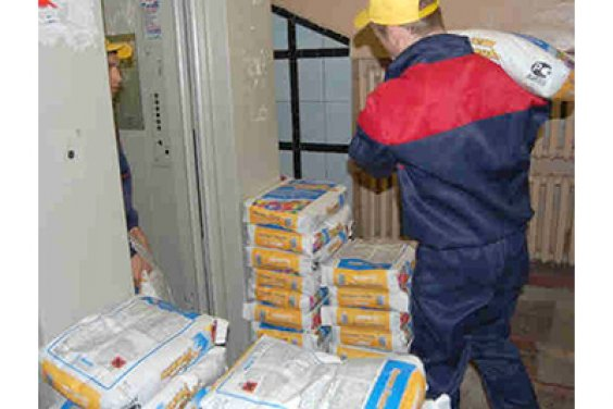 Подъём строительных материалов на этаж
