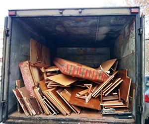 вывоз старой мебели из квартиры с грузчиками, цена не высокая